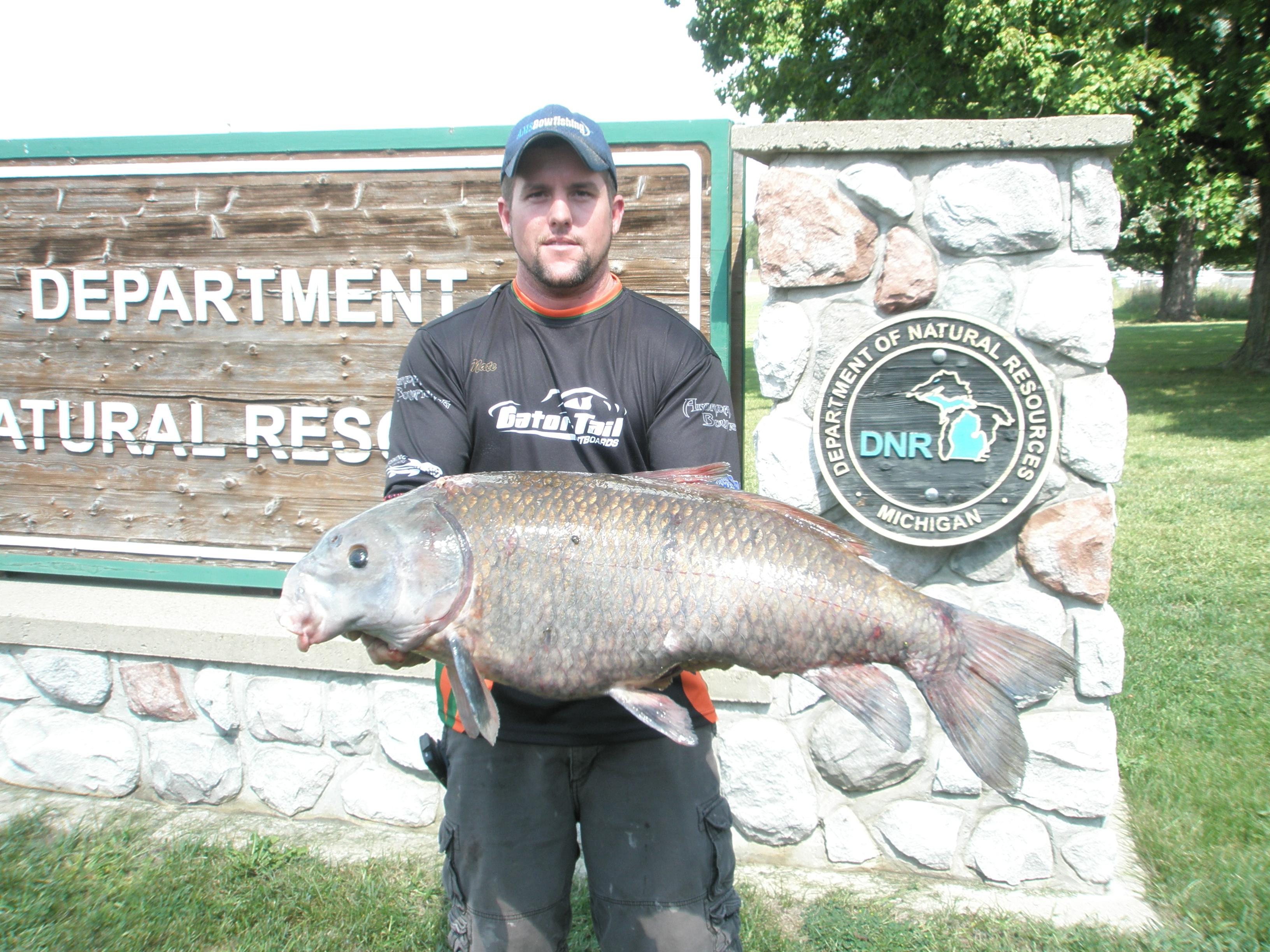 Kalamazoo bowfisherman shoots state record black buffalo for What is a buffalo fish