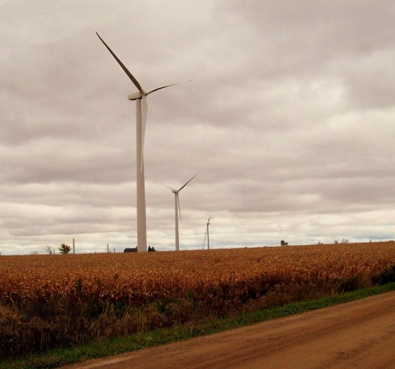 Michigan Wind 1 near Ubly is part of the former Noble Thumb Windpark (NTW), which John Deere Renewables acquired from Noble Environmental Power in October, 2008. The project consists of 46 GE Energy SLE wind turbines.Photo: Wikimedia Commons