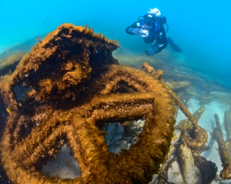 Bill Miklosz dives on the shipwreck Novadoc on an earlier trip to the West Michigan Underwater Preserve. Photo: Paul Chase